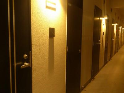 apartmentdoor